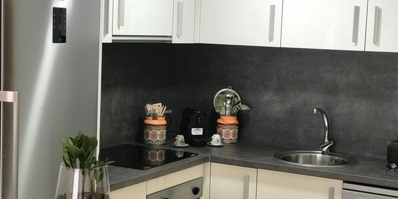 KITCHEN WITH ALL NEW APPLIANCE